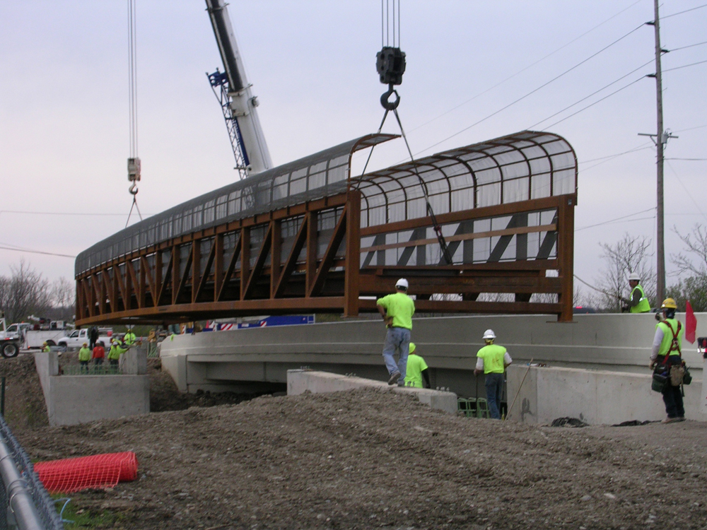 10-erection-of-fully-assembled-bridge.jpg