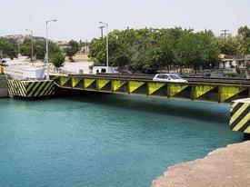 2007 Greece Corinth Canal submersible bridge 01