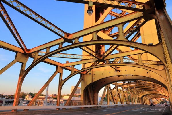 From Uses to Field Services Learn About FRP for Infrastructure_Tower Lift Bridge