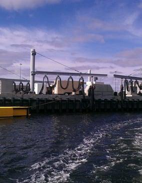 submarine-berthing-submarine-camels