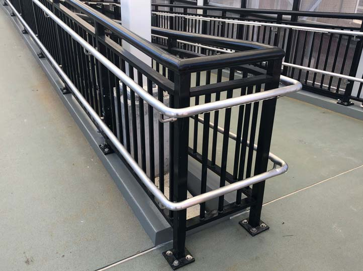 8-HandrailSwitchback