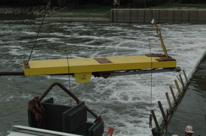 Wicket Gate installed in Illinois River
