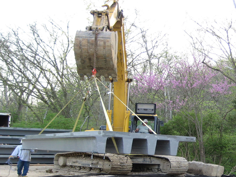 02 Excavator Easily Moves 6000 Lb Panel