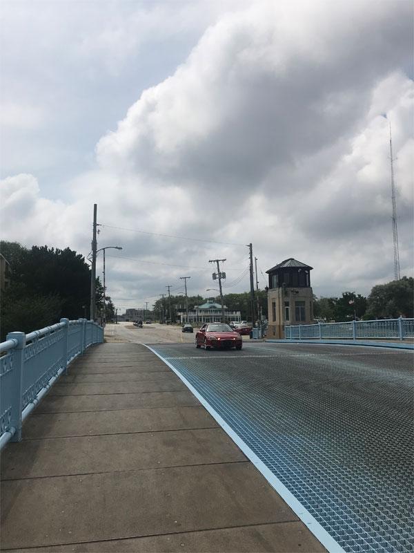 4 View Standing On Bridge