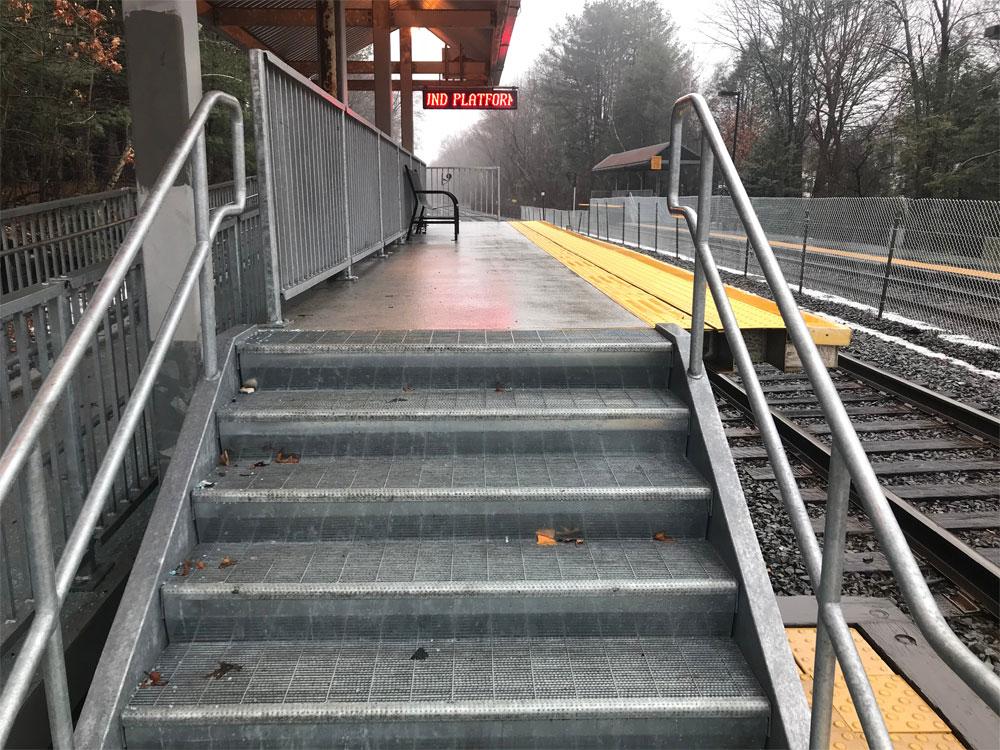 6 Stairway To Platform