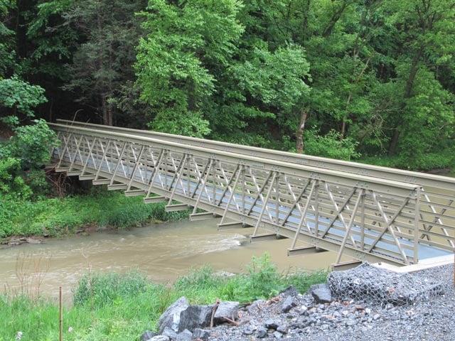 Pedestrian-Bridge-04