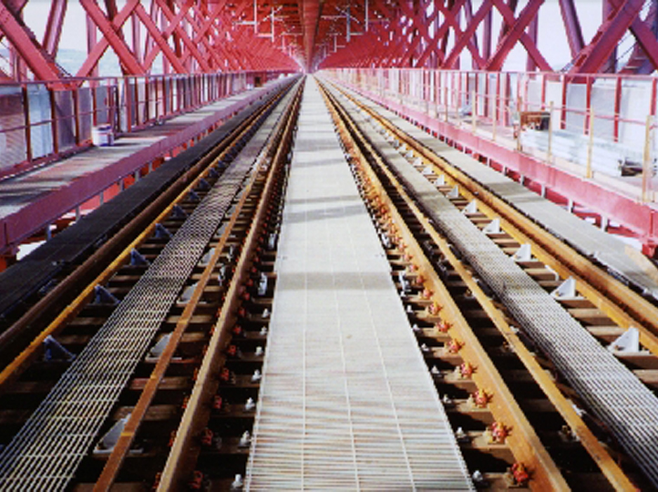 Mass Transit Industry - Lisbon Bridge